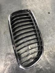 Запчасть решетка радиатора правая BMW 3 2005-2008