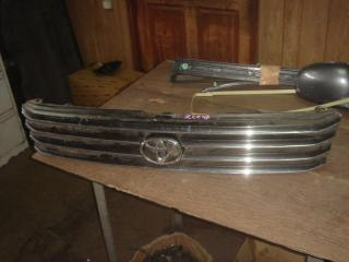 Решетка радиатора Toyota Hiace Regius