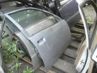 Запчасть дверь Toyota Starlet