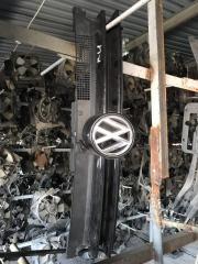 Решетка радиатора Volkswagen Golf 4 2001