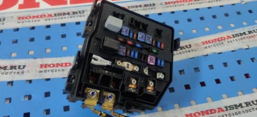 Блок предохранителей Honda Civic 8 5D 2006-2011