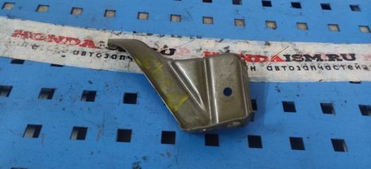 Запчасть кронштейн крыло передний правый Honda Civic 8 5D 2006-2011