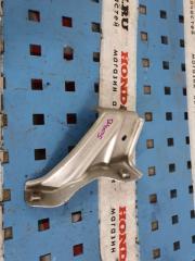 Запчасть кронштейн крыло Honda Civic 8 5D 2006-2010