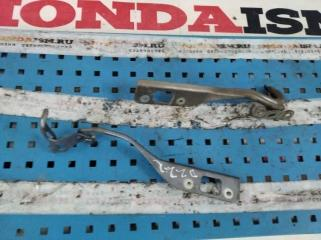 Петля капота правая Honda Civic 8 5D