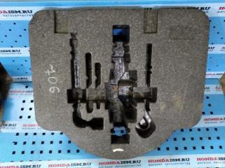 Под инструмент Honda Civic 8 4D 2006-2010