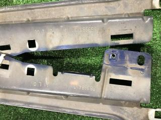 Запчасть крепление крыла правое Citroen C4 2007