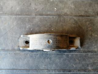 Запчасть подушка глушителя BMW X5 2006