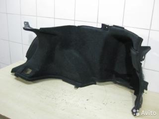Запчасть обшивка багажника правая Toyota Avensis 2006