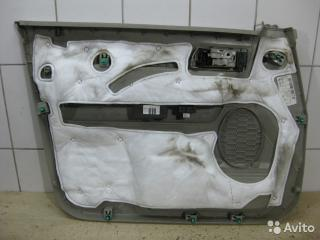 Запчасть обшивка двери передняя правая Ford Escape 2010