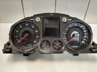 Щиток приборов VW Passat 2005