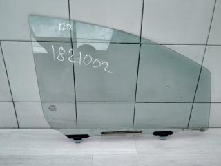 Запчасть стекло переднее правое Toyota Yaris 2010