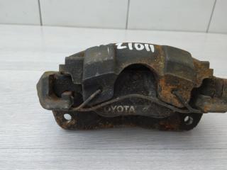 Запчасть суппорт передний правый Toyota Yaris 2010