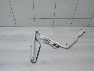 Запчасть шторка левая Toyota Yaris 2010