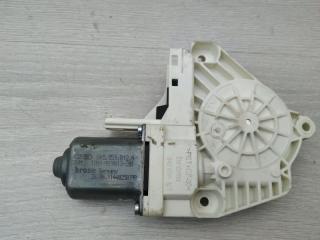 Запчасть моторчик стеклоподъемника задний правый VW Touareg 2011
