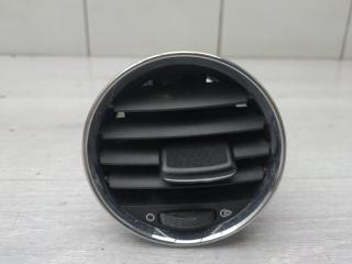 Запчасть дефлектор центральный Peugeot 308 2010