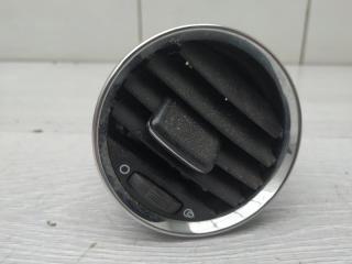 Запчасть дефлектор левый Peugeot 308 2010