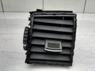 Запчасть дефлектор центральный левый Infiniti M35x 2006