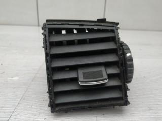 Запчасть дефлектор центральный правый Infiniti M35x 2006