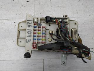 Запчасть блок предохранителей салонный Toyota RAV4 2002