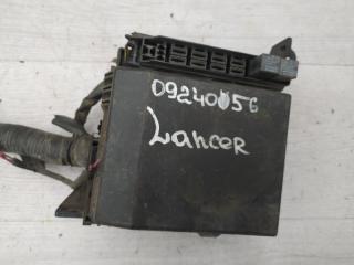 Блок предохранителей моторный Mitsubishi Lancer 2005