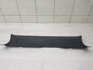 Запчасть накладка задней панели Hyundai Genesis 2008