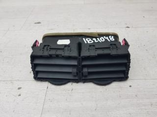 Запчасть дефлектор центральный Toyota Yaris 2010