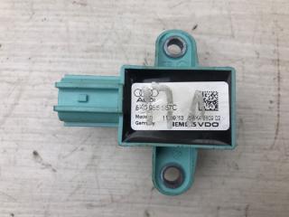 Запчасть датчик удара Audi A4 2011