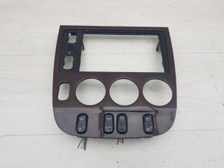 Рамка магнитолы Mercedes ML320 2001
