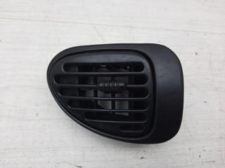 Запчасть дефлектор левый Chrysler Voyager 2000