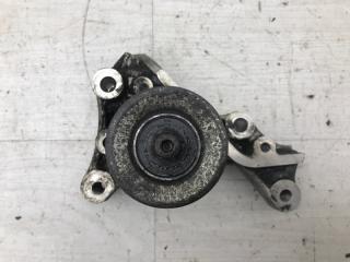 Запчасть кронштейн генератора Peugeot 607 2001