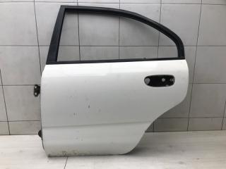 Дверь задняя левая Mitsubishi Carisma 1997