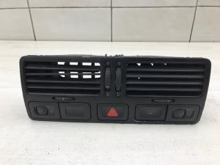 Запчасть дефлектор центральный VW Bora 2002