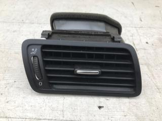 Дефлектор правый VW Passat 2008