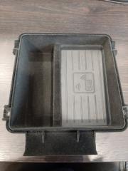 Беспроводная зарядка телефона Audi Q7 2016