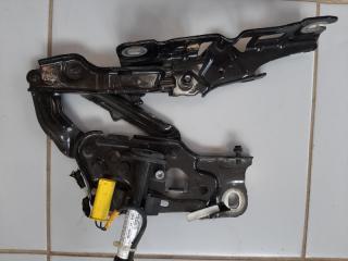 Петля капота передняя левая BMW 5-Series 2016-2020