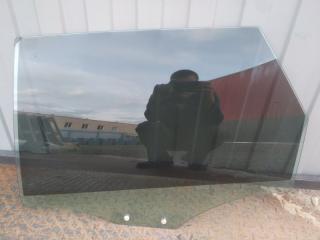 Стекло двери заднее левое Audi A6 2016-