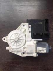 Мотор стеклоподъемника передний правый Volkswagen Tiguan 2011-2016