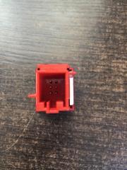 Кнопка аварийной сигнализации Yeti 2014 - 2018 5L