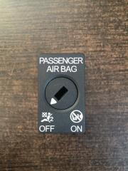 Запчасть выключатель переднего air bag Audi A4 2016 -