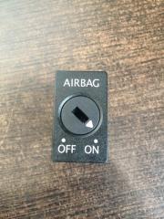 Запчасть выключатель переднего air bag Audi A4 2008-2016
