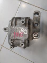 Опора двигателя правая Volkswagen Jetta 2015-2018