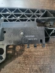 Запчасть кронштейн наружней ручки двери передний левый Audi RSQ3 2011-2018