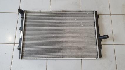 Радиатор охлаждения Volkswagen Passat 2010-2015