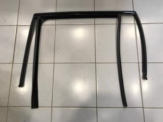 Уплотнитель стекла двери задний левый BMW X5 2013-2017
