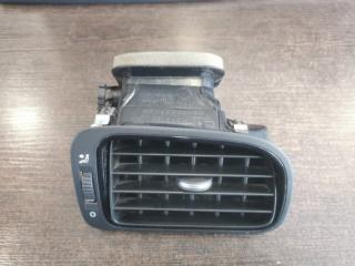 Вентиляционная решетка передняя правая Volkswagen Polo 2010-