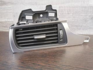 Вентиляционная решетка передняя левая Audi A6 2014-2018
