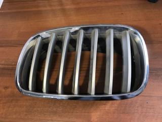 Решетка радиатора передняя левая BMW X5 2009-2013