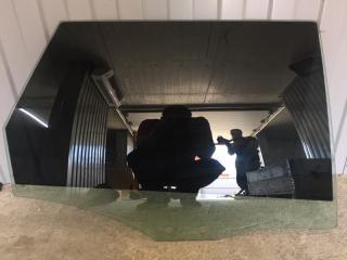 Стекло двери заднее правое Audi A6 2005-2010