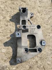 Кронштейн генератора и компрессора кондиционера Audi A3 2004-2008