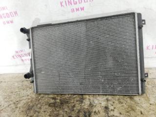 Запчасть радиатор двс Volkswagen passat 2009